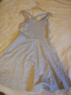 Kleid in grau neu mit Etikett