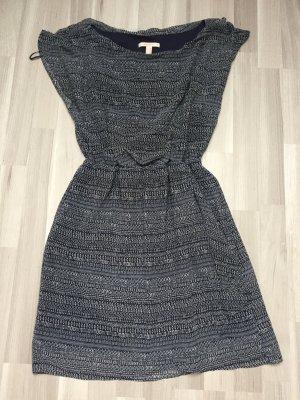 Kleid in Größe 38 der Marke Esprit