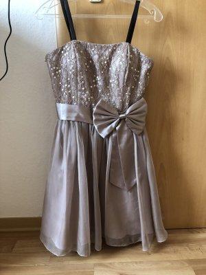 Kleid in Größe 38 von Laona