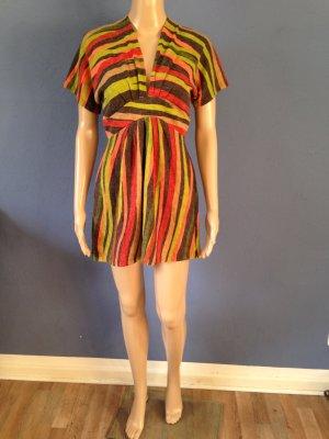 Kleid in herbstlichen Farben mit Fledermausärmeln