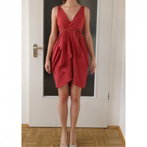 Kleid in lachs Farbe