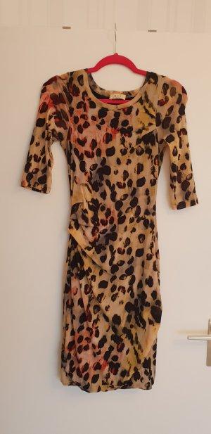 Kleid in Leonlook
