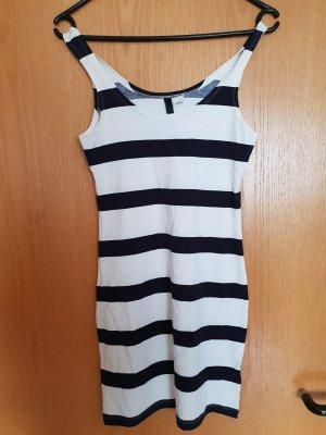 Kleid in Marinelook