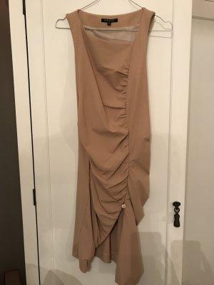 Kleid in Nude mit Reißverschluss an der Seite.