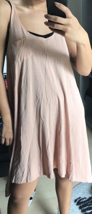 Kleid in Pastellfarben