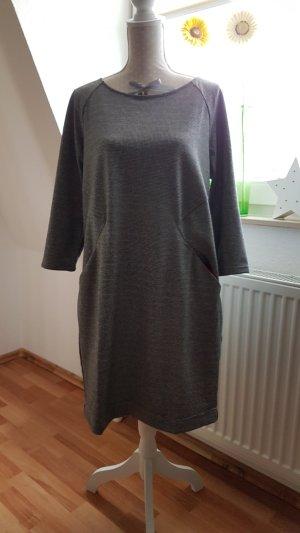 Kleid in Pepitaoptik
