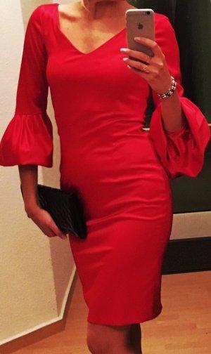 Kleid in rot, Madeleine
