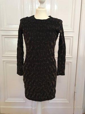 Kleid in schwarz mit Goldfäden durchzogen und Rücken Cut-Out