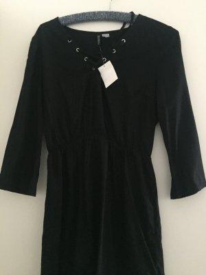 Kleid in schwarz von H&M