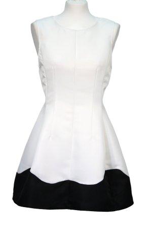 Kleid in Schwarz-Weiß von AX Paris