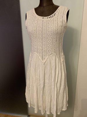 Kleid in weiß Gr 36 38 S von Boohoo