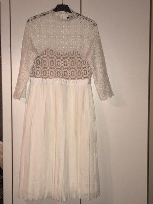 Kleid in Weiss von Asos