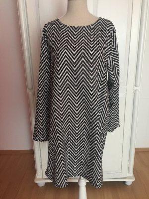 Kleid in Zebra Look gestreift Muster schwarz weiß