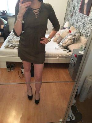 Kleid khaki mit schnüren