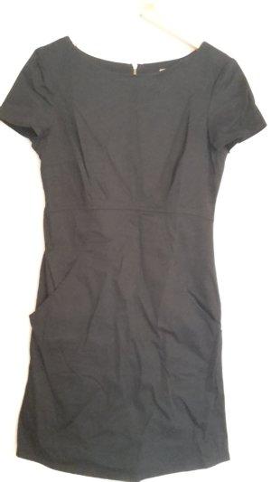 Kleid, kleines Schwarzes, schickes Kleid