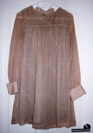 Kleid knielang und langarm in weiß-braun