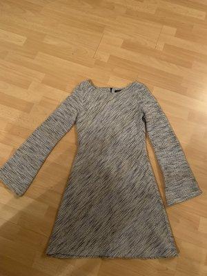 Kleid kurz mit schlagärmeln