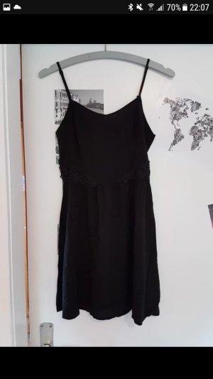 Kleid kurz schwarz Spitze cut-out