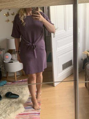 Kleid lila ausgefallen
