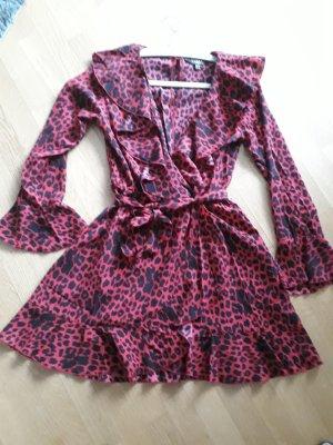 Lipsy Vestido estilo flounce negro-rojo