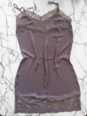 Kleid / Longtop / Nachtwäsche mit Spitze in violett NEU