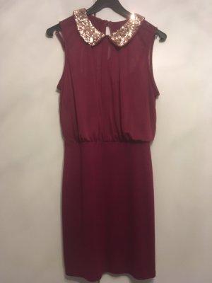 Kleid Magneta/rot mit Paillettenkragen