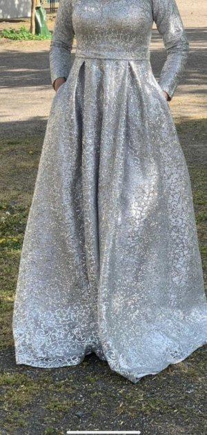 Abito con paillettes argento-grigio chiaro