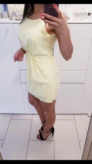 Kleid Minikleid AMISU rückenfrei Sommer Gr. 34 Gelb