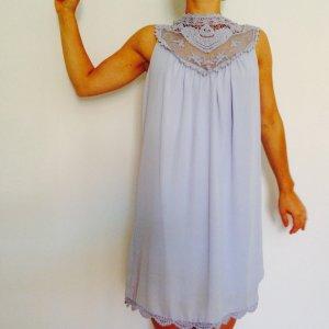 Kleid mint & Berry Spitze hoher Kragen lila flieder