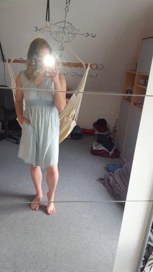 Vestito da spiaggia blu pallido