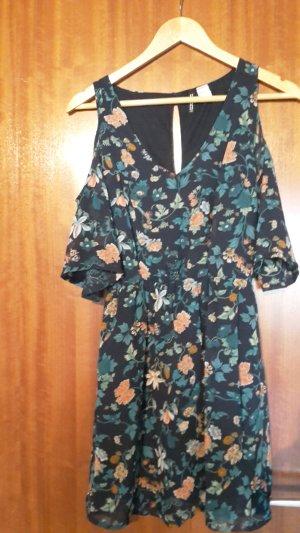 Kleid mit Ärmeln und Blumenmuster