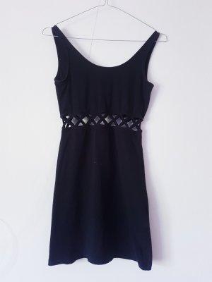 Kleid mit Ausschnitten