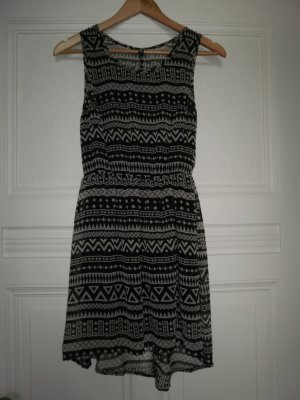 Kleid mit Aztekenmuster von H&M