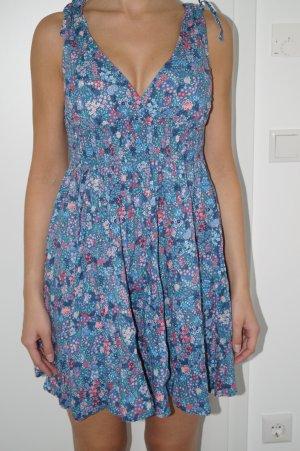 Kleid mit Blümchenmuster