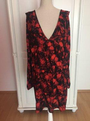 Kleid mit Blumen und XXL Ausschnitt