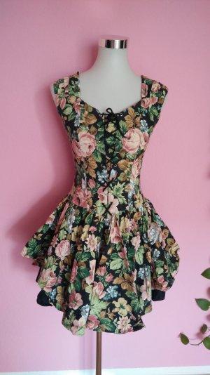 Kleid mit Blumenmuster (B1)