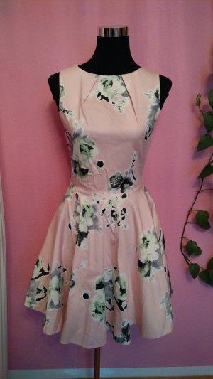 Kleid mit Blumenmuster (Box 4)