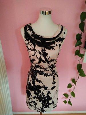 Kleid mit Blumenmuster in beige/schwarz (K2)