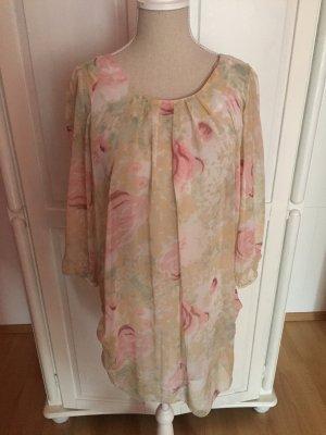 Kleid mit Blumenmuster transparent weit Falten Rosen
