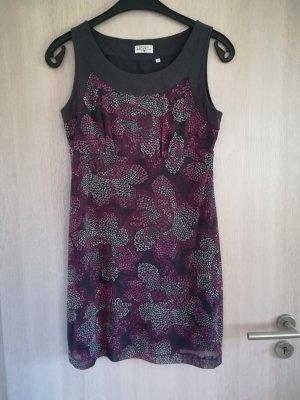 Kleid mit Blumenprint, Beere/grau