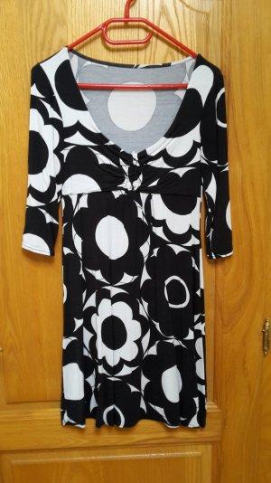 Kleid mit Blumenprint und 3/4 Ärmeln in M/L