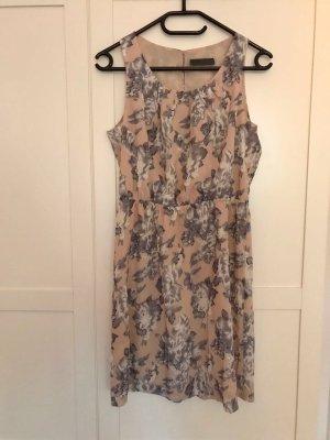 Kleid mit Blumenprint von minimum
