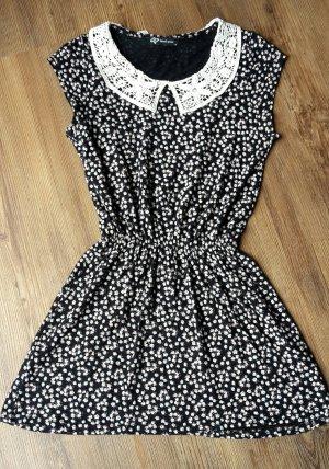 Kleid mit Bubbikragen