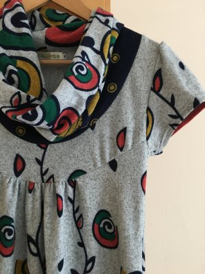 Kleid mit buntem Muster