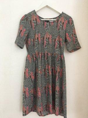 Kleid mit coolem Muster