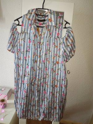 Kleid mit Cut Outs