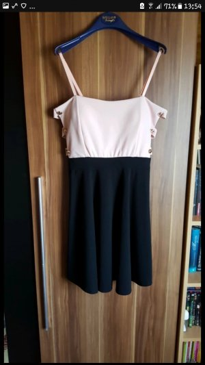 Kleid mit Cutouts