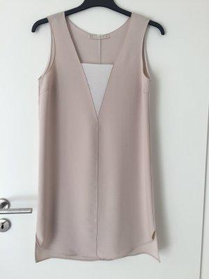 Kleid mit dickem Stoff
