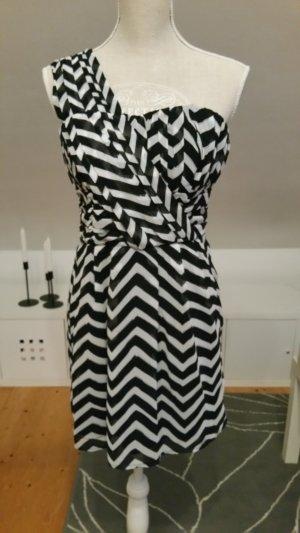 Kleid mit einem Ärmel