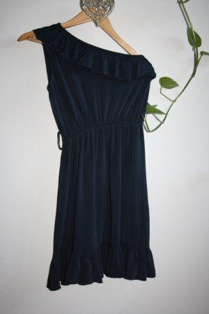 Kleid mit einer Schulter frei